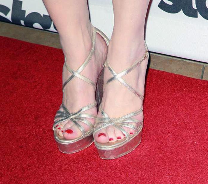 Bryce Dallas Howard feet
