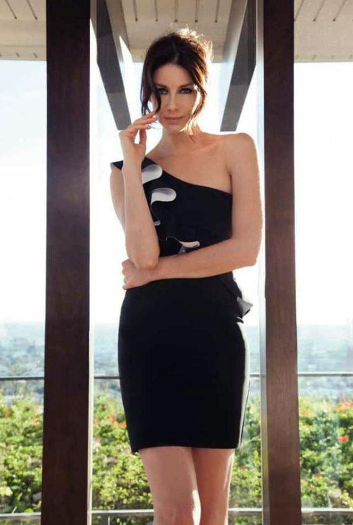 Caitriona Balfe sexy