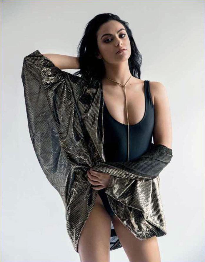 Camila Mendes tits