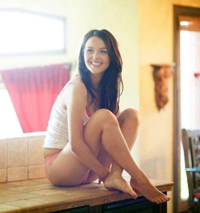 Camilla Luddington feet