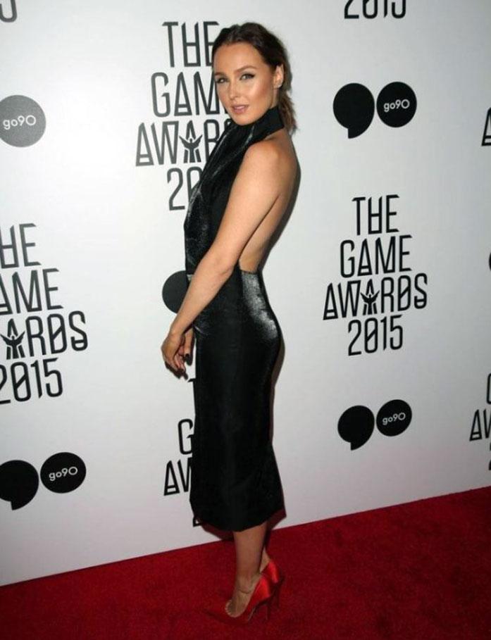 Camilla Luddington ass