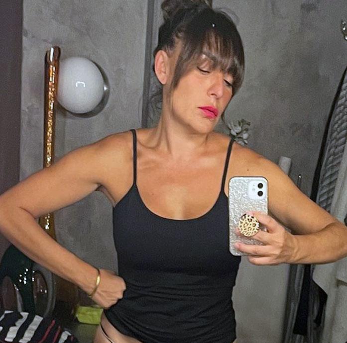 Candela Pena cleavage