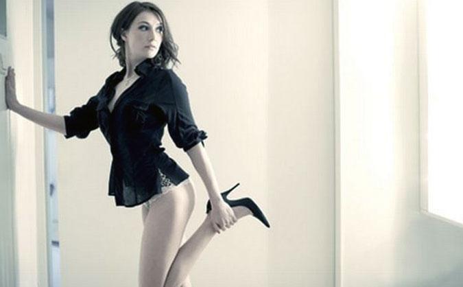 Carice van Houten butt