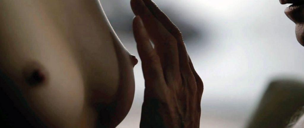 Carice van Houten nipples